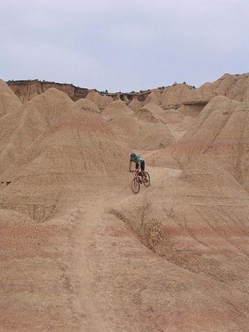 Ruta en bici por las Bardenas Reales en Navarra