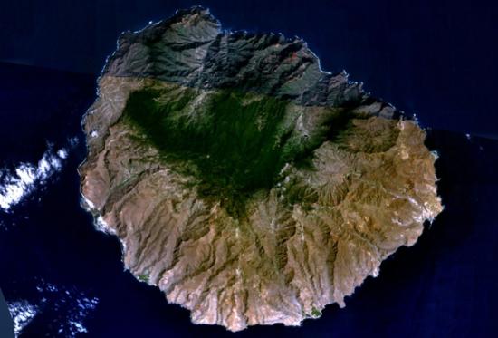 Imagen aérea de la isla canaria de La Gomera