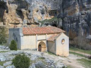 Ermita de San Bartolomé en el Parque Natural del Cañón del Río Lobos en Soria